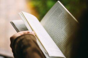 How to Do a Literature Close Reading?